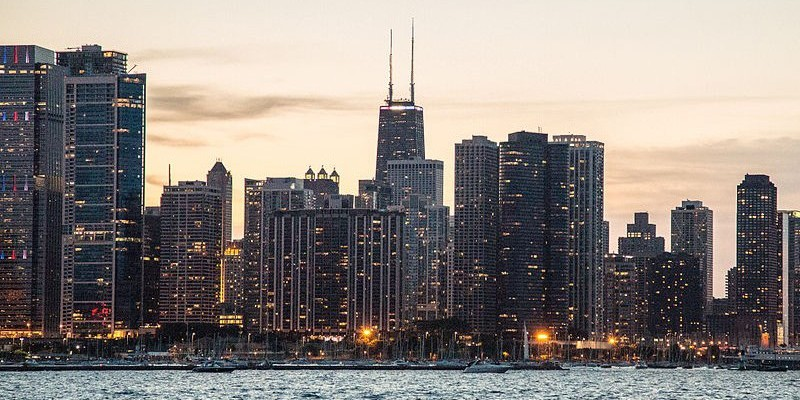 Chicago_Skyline_(15240030464)