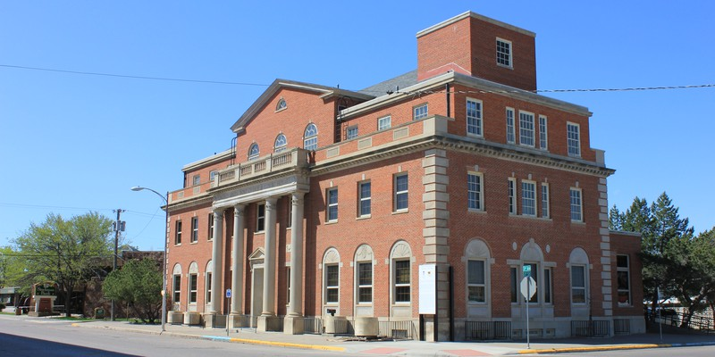 Corner_view_of_the_Old_Post_office_building_in_Havre,_Montana