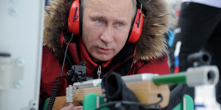 Vladimir_Putin_attends_Russian_Cross-Country_Skiing_and_Biathlon_Paralympic_Championship_in_Sochi